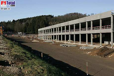 Neues Boxengassengebäude in Spa-Francorchamps