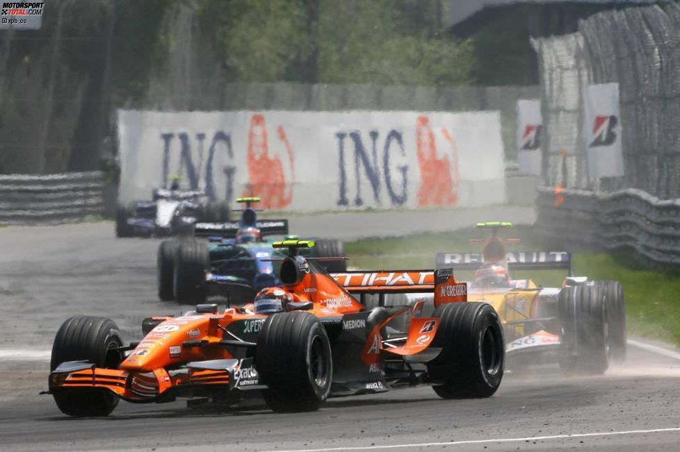 Christijan Albers (Spyker) und Heikki Kovalainen (Renault)