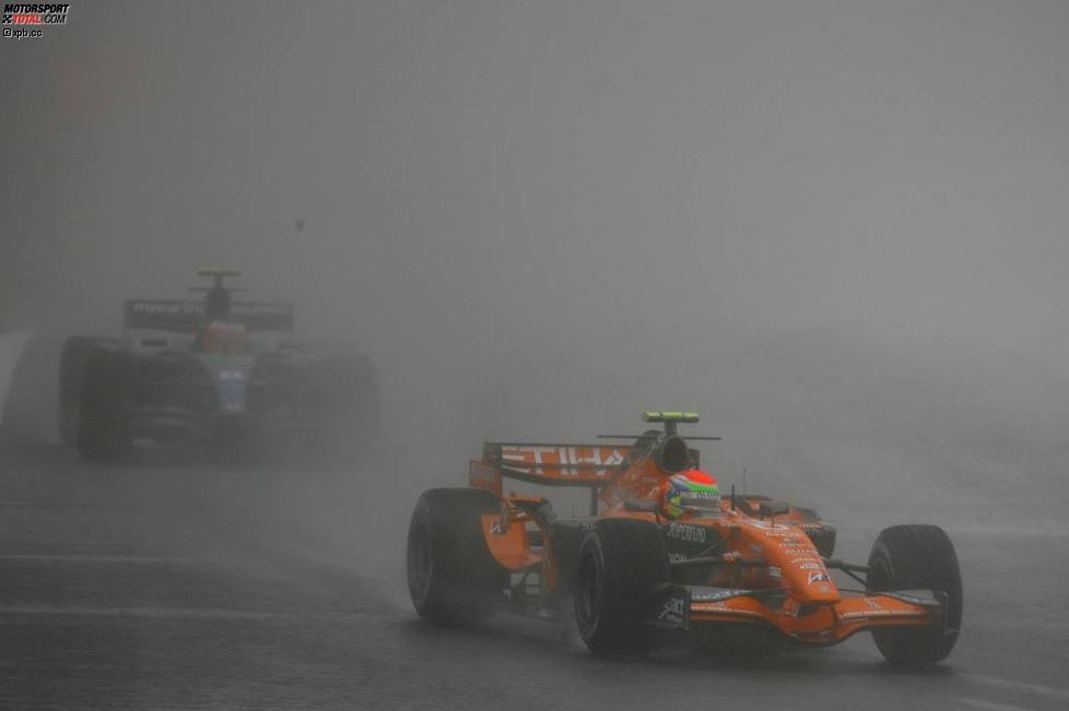 Sakon Yamamoto (Spyker) vor Rubens Barrichello (Honda F1 Team)