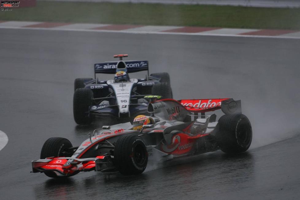 Lewis Hamilton (McLaren-Mercedes) vor Nico Rosberg (Williams)