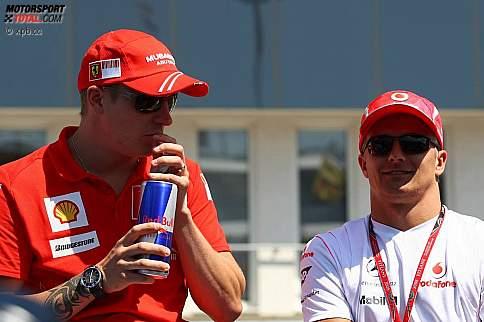 Kimi Räikkönen (Ferrari) und Heikki Kovalainen (McLaren-Mercedes)