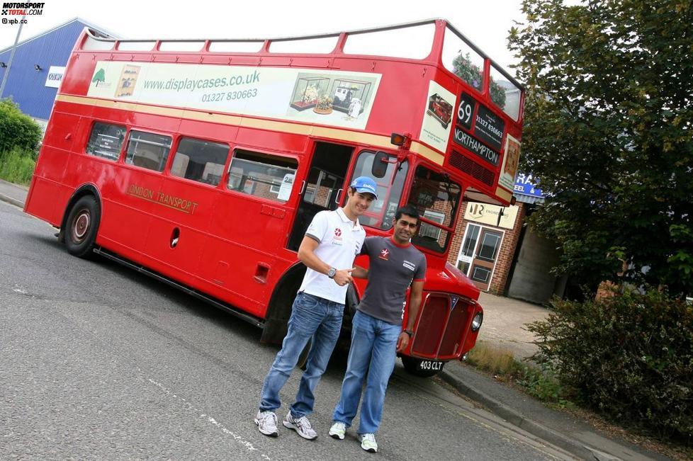 Bruno Senna und  Karun Chandhok (HRT)