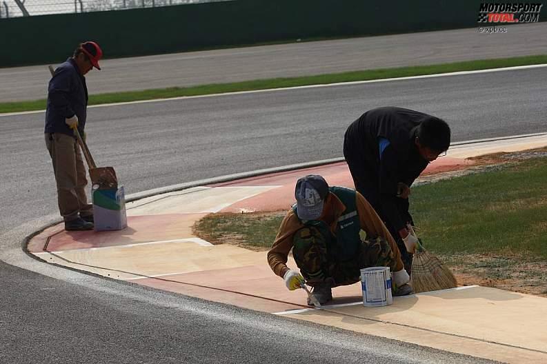 -Formula 1  - Season 2010 - - z1287640835
