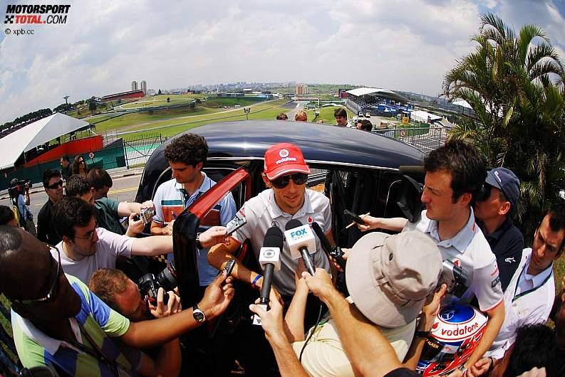 -Formula 1  - Season 2010 - - z1288889432