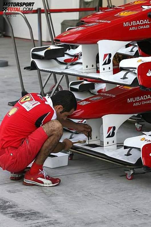 Ferrari baut auf