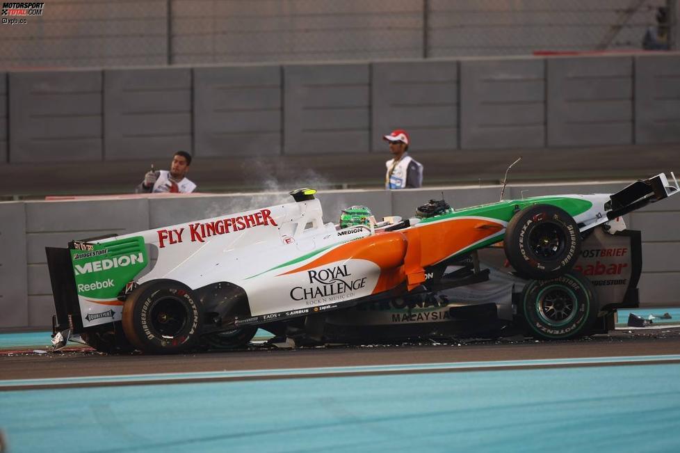 Vitantonio Liuzzi (Force India) und Michael Schumacher (Mercedes)