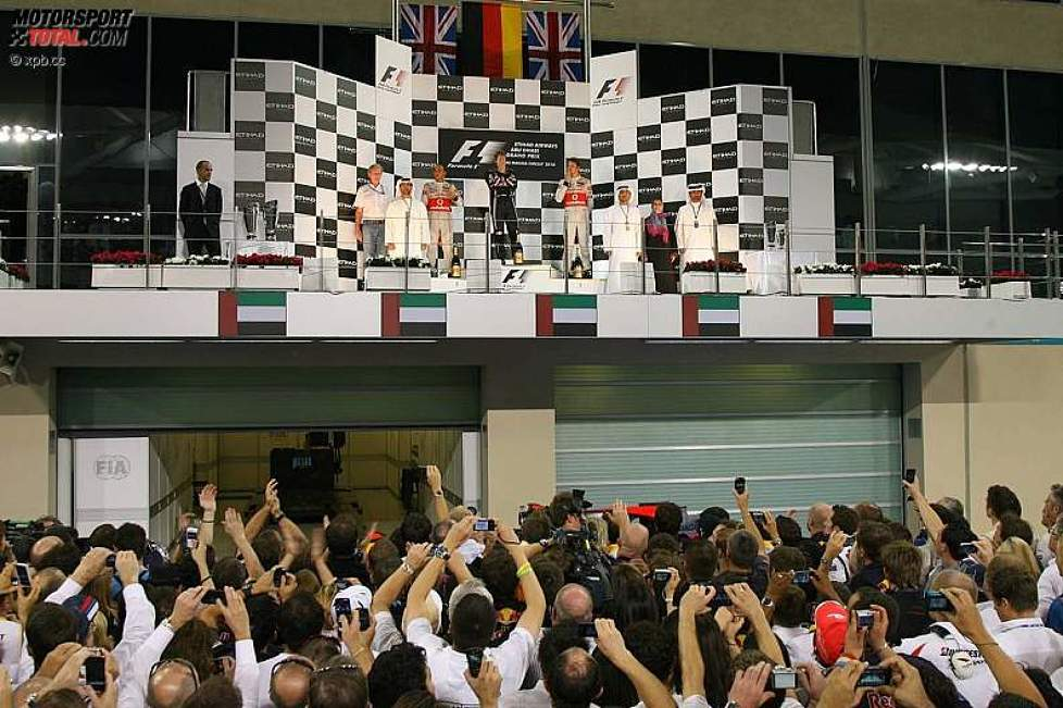 Lewis Hamilton (McLaren), Sebastian Vettel (Red Bull) und Jenson Button (McLaren)