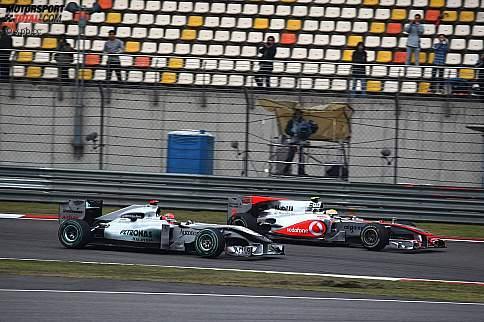 """Von wegen """"Regenkönig"""": In China wird Michael Schumacher von den """"jungen Wilden"""" der Formel 1 teilweise vorgeführt"""