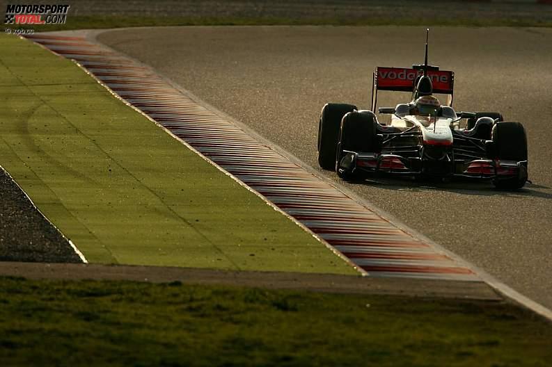 -Formula 1 - Season 2011 - z1298221938