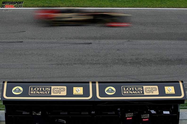 -Formula 1 - Season 2011 - z1298304280