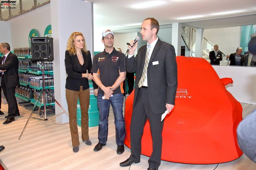 Christina Surer und Fredy Barth (SEAT Swiss) auf dem Automobilsalon von Genf