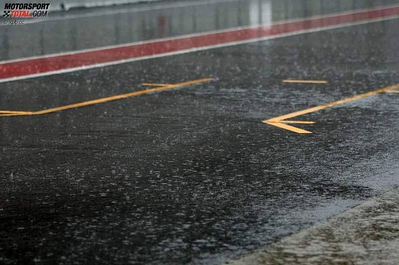 -Formula 1 - Season 2011 - z1299916204