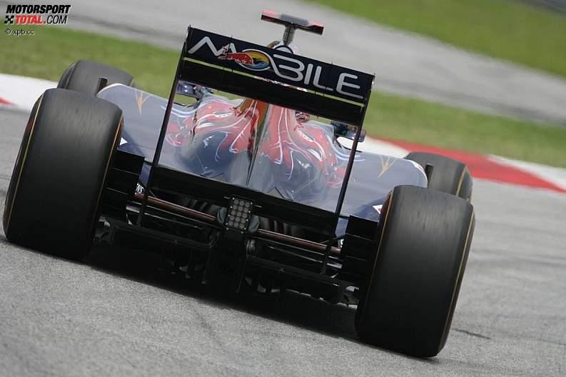 -Formula 1 - Season 2011 - z1302337215