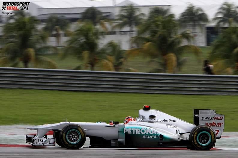 -Formula 1 - Season 2011 - z1302344404