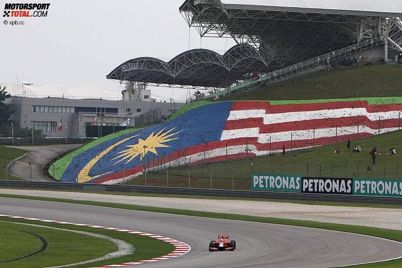 -Formula 1 - Season 2011 - z1302344427