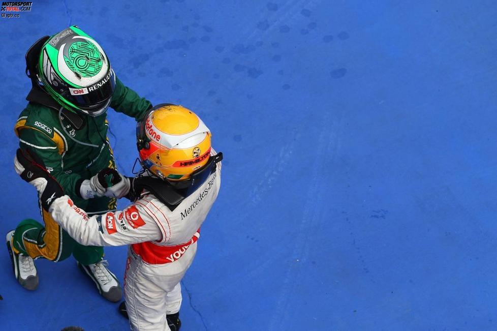 Heikki Kovalainen (Lotus) und Lewis Hamilton (McLaren)