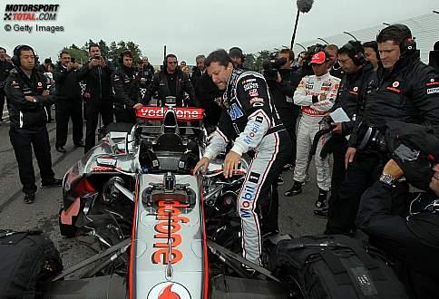 Tony Stewart (SHR) und Lewis Hamilton (McLaren)