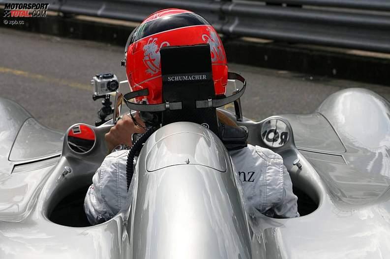 -Formula 1 - Season 2011 - z1311249764
