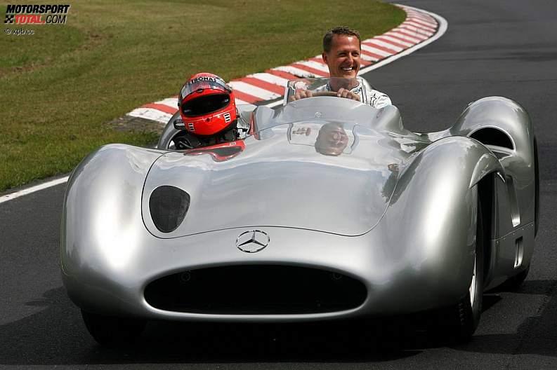 -Formula 1 - Season 2011 - z1311249777
