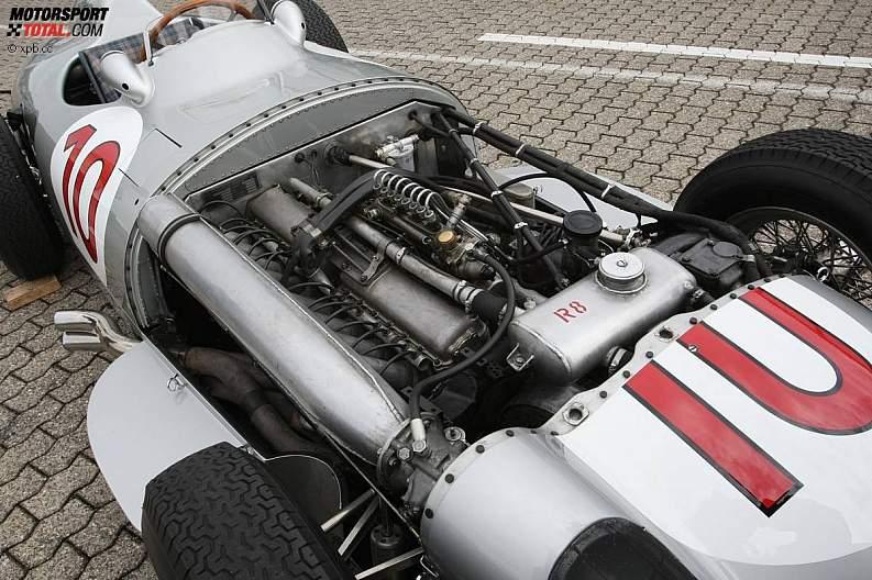 -Formula 1 - Season 2011 - z1311249934