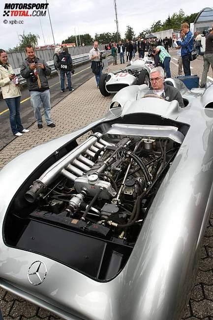 -Formula 1 - Season 2011 - z1311249960