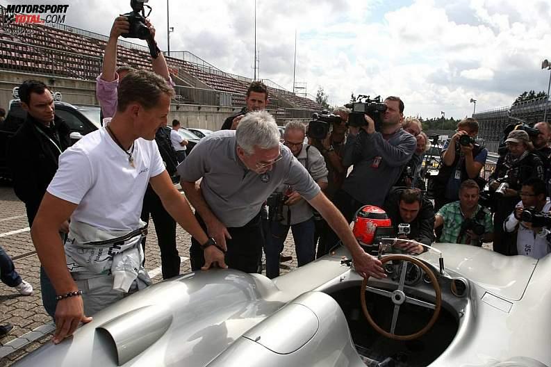 -Formula 1 - Season 2011 - z1311249999