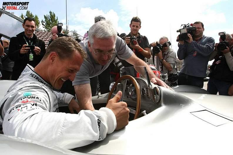 -Formula 1 - Season 2011 - z1311250868