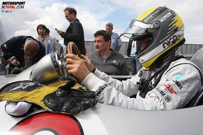 -Formula 1 - Season 2011 - z1311251011