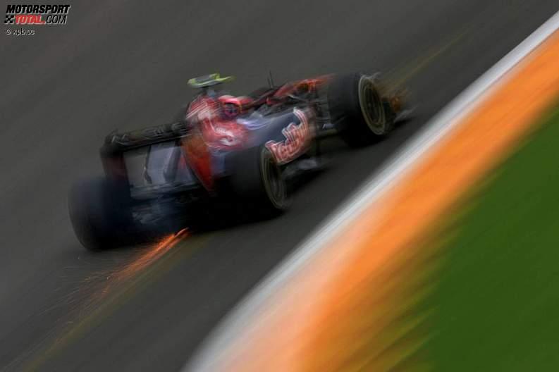 -Formula 1 - Season 2011 - z1314369951