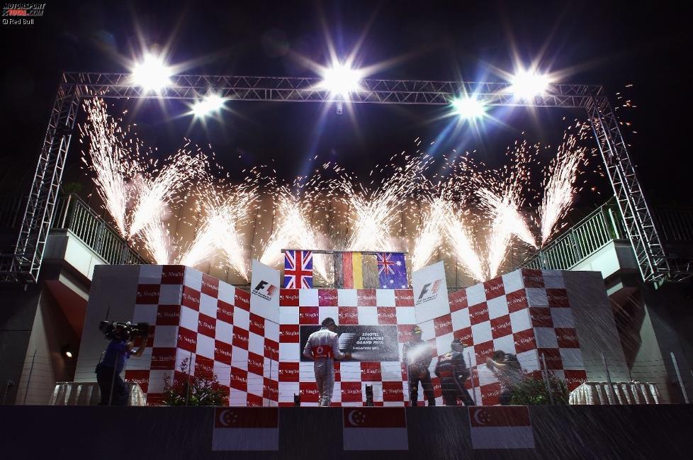 Jenson Button (McLaren) Mark Webber (Red Bull) Sebastian Vettel (Red Bull)