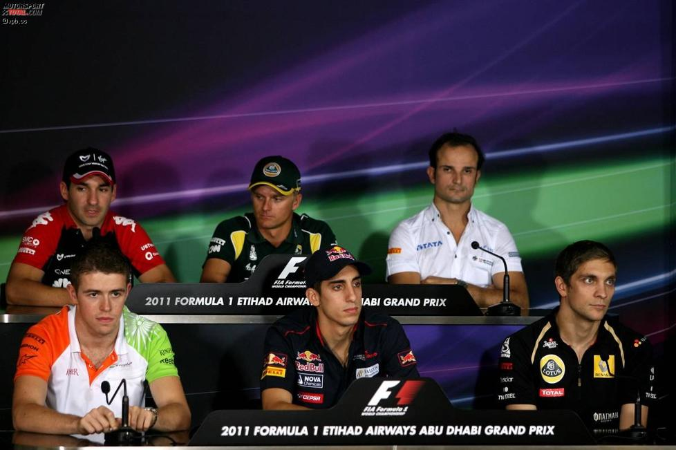Hintere Reihe: Timo Glock (Marussia-Virgin), Heikki Kovalainen (Lotus) und Vitantonio Liuzzi (HRT); vordere Reihe: Paul di Resta (Force India), Sebastien Buemi (Toro Rosso) und Witali Petrow (Renault)