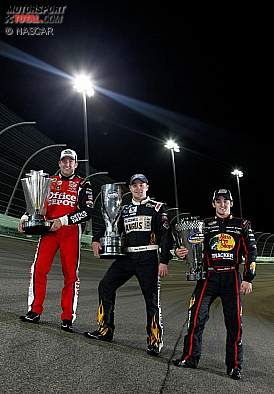 v.l.n.r.: Sprint-Cup-Champion Tony Stewart, Nationwide-Champion Ricky Stenhouse und Truck-Champion Austin Dillon