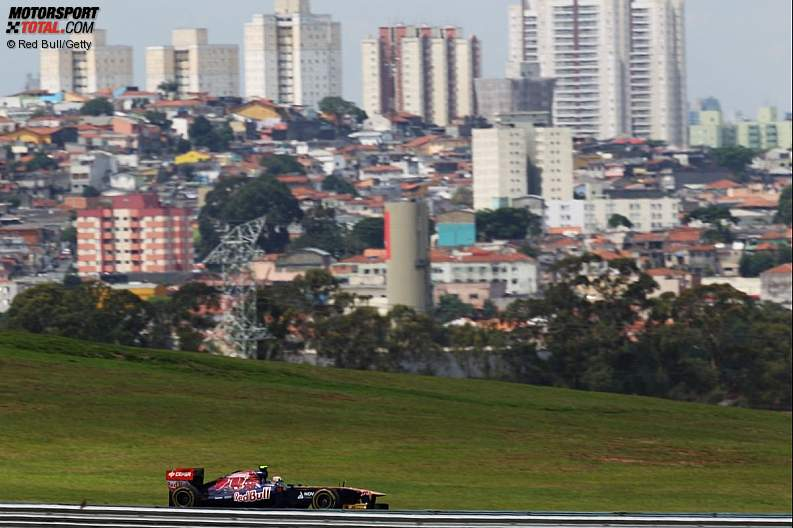-Formula 1 - Season 2011 - z1322472416