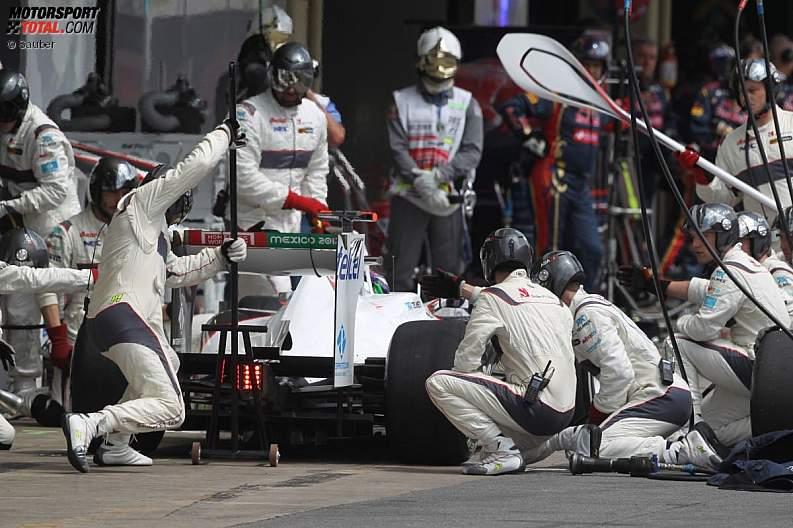 -Formula 1 - Season 2011 - z1322472546
