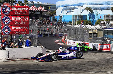 Helio Castroneves vor James Hinchcliffe (Andretti)