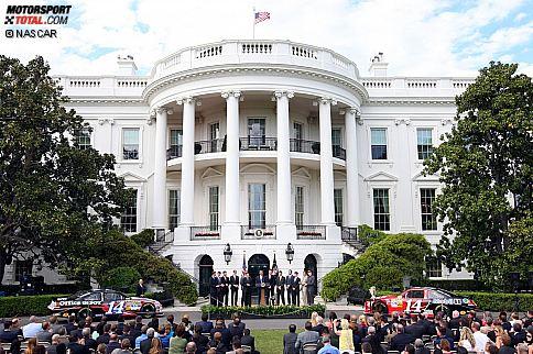 Die zwölf Chase-Teilnehmer 2011 mit US-Präsident Barack Obama vor dem Weißen Haus in Washington