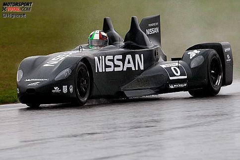 Der Nissan-DeltaWing im Regen