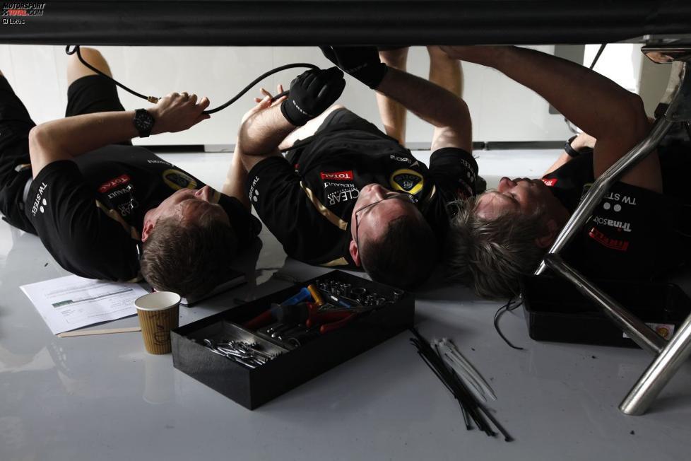 Lotus-Mechaniker bei der Arbeit