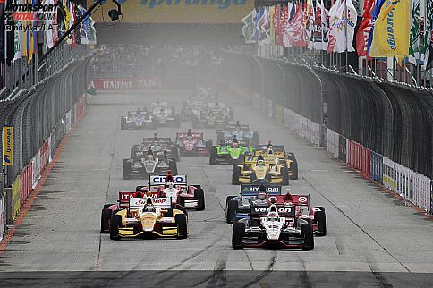 Restart mit Will Power (Penske) und Ryan Hunter-Reay (Andretti)