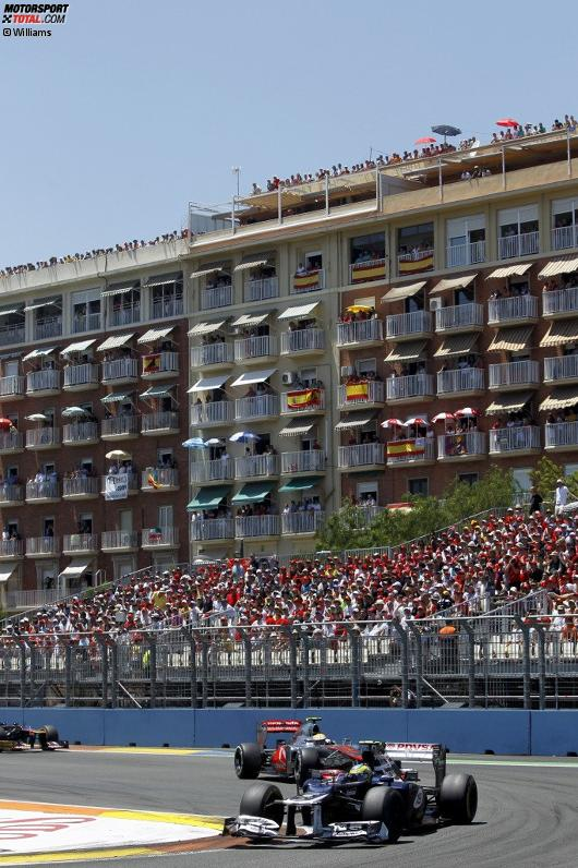 Bruno Senna (Williams) und Lewis Hamilton (McLaren)