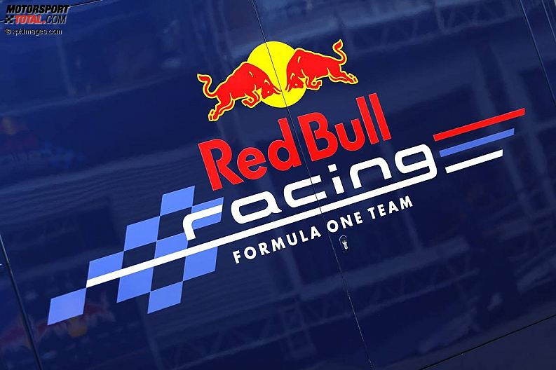 Red Bull Can Logo Red-bull-racing-logo