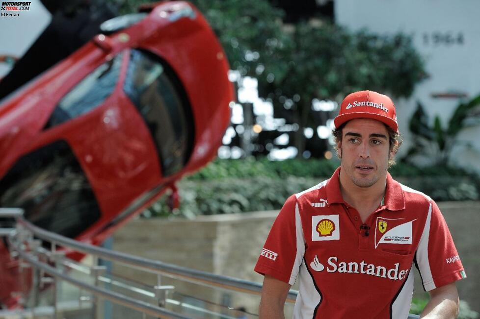 Fernando Alonso (Ferrari) in der Ferrari-World Abu Dhabi