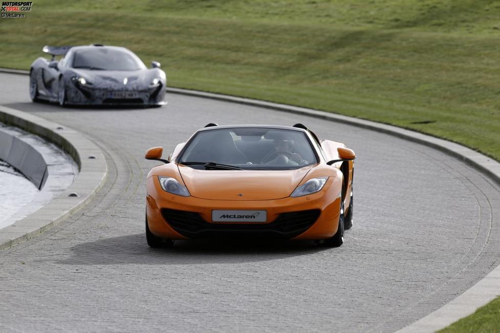 Sergio Perez vor Jenson Button (McLaren)