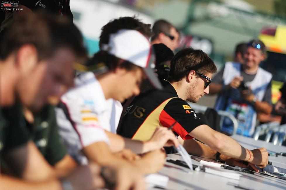 Romain Grosjean (Lotus) bei der Autogrammstunde