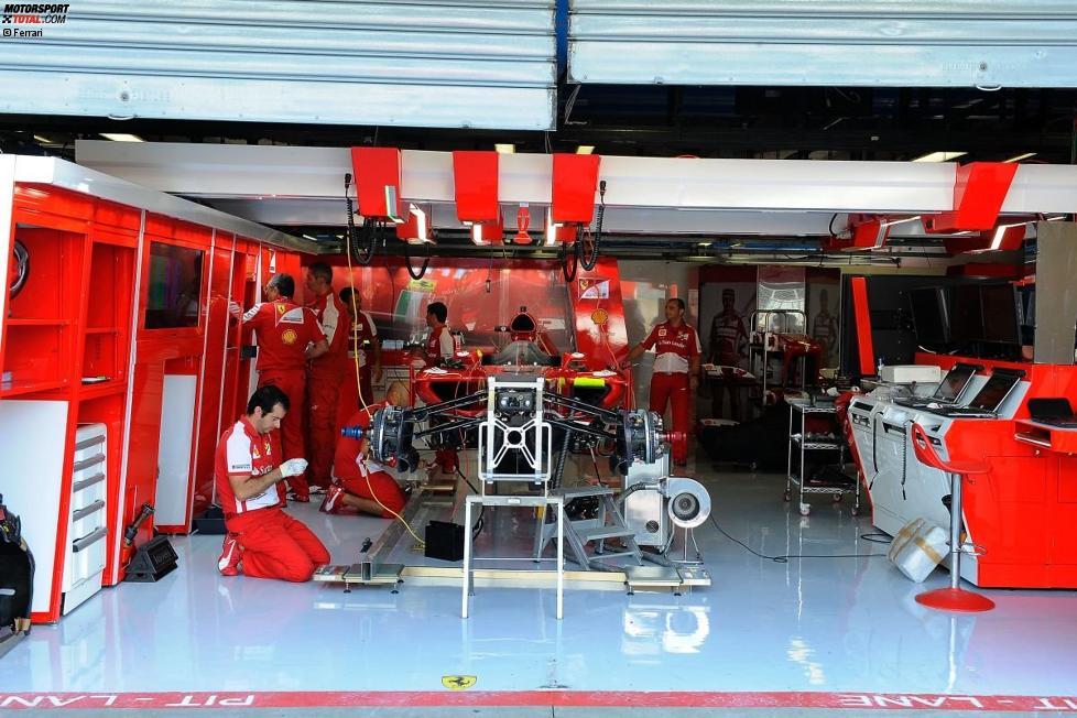 Vorbereitungen in der Ferrari-Box
