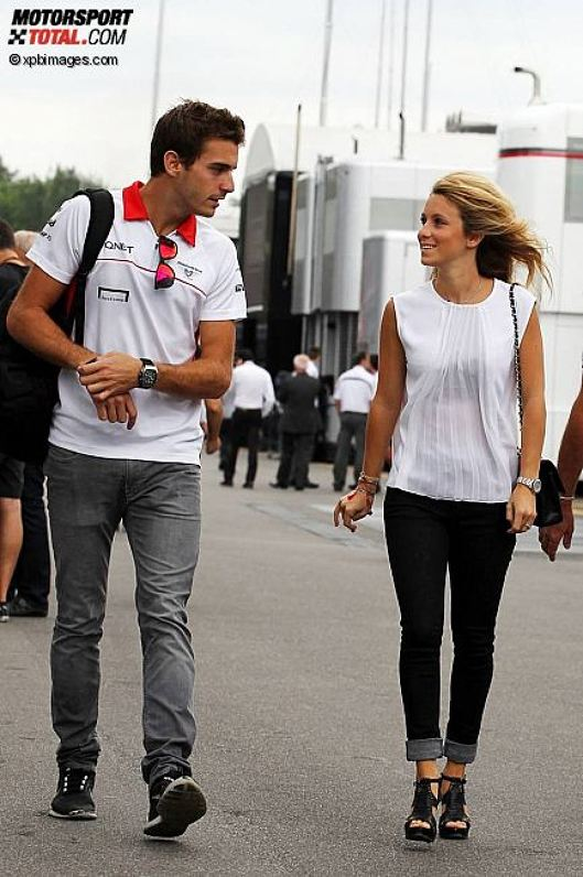 Jules Bianchi (Marussia) mit Freundin Camille Marchetti