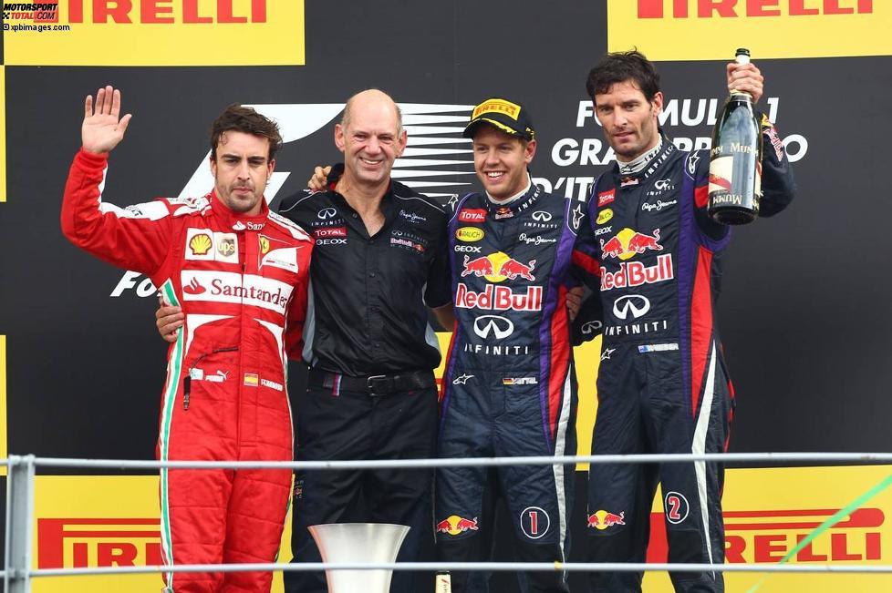 Fernando Alonso (Ferrari), Adrian Newey, Sebastian Vettel (Red Bull) und Mark Webber (Red Bull)