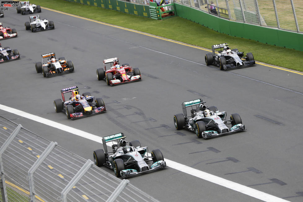Nico Rosberg (Mercedes), Lewis Hamilton (Mercedes), Daniel Ricciardo (Red Bull) und Kevin Magnussen (McLaren)