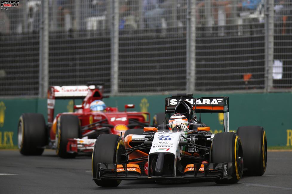 Nico Hülkenberg (Force India) und Fernando Alonso (Ferrari)