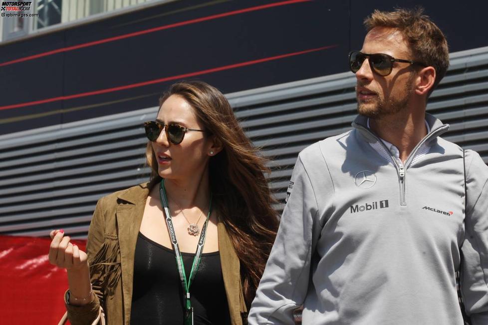 Jenson Button (McLaren) mit Freundin Jessica Michibata